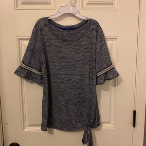 Like new ladies size small top